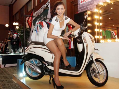 Honda trình làng Scoopy phun xăng điện tử