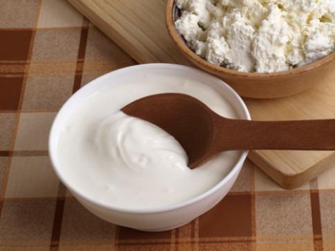 Ít mẹ Việt biết, cho con ăn sữa chua thế này mới hấp thụ 100% dinh dưỡng