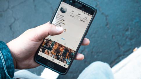 Làm thế nào để 'xóa dấu vết' những lần lỡ tay Like trên Instagram?
