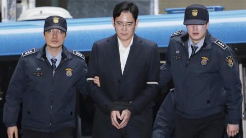 Người thừa kế tập đoàn bị tuyên án phạt tù kỷ lục, Samsung điêu đứng