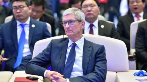 Phản pháo Apple, Mark Zuckerberg gọi Tim Cook là nông cạn và dối trá