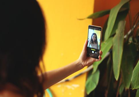 """Phỏng vấn nhanh 4 tính năng """"đỉnh của đỉnh"""" trên Galaxy A8"""