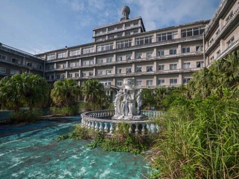 """Rùng rợn những cảnh tượng như """"phim kinh dị"""" bên trong khách sạn Hoàng gia lớn nhất Nhật Bản một thời"""