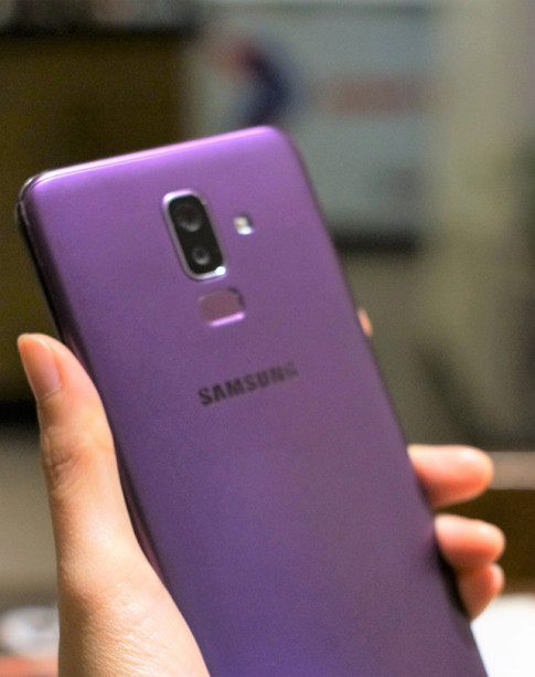 """Samsung Galaxy J8: Smartphone tầm trung """"đáng đồng tiền bát gạo""""?"""