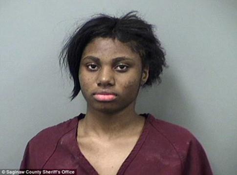Thiếu nữ 17 tuổi đối mặt với án chung thân vì tội... hiếp dâm