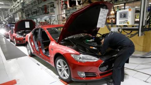 Tỉ phú Elon Musk cho biết 'Tesla đã bị phá hoại' và đề nghị nhân viên cảnh giác