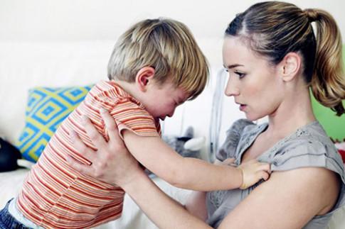 Trẻ nhanh biết nói, trí tuệ phát triển nhờ bố mẹ thông minh biết cách dạy dỗ