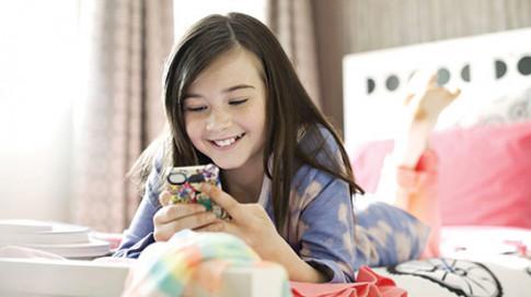 Tuổi teen dành bao nhiêu thời gian trên mạng để hạnh phúc?