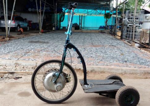 Xe điện đứng tự chế của người Sài Gòn