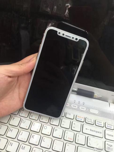 Xuất hiện hình ảnh thực tế của iPhone 8, xấu hơn những gì fan kỳ vọng