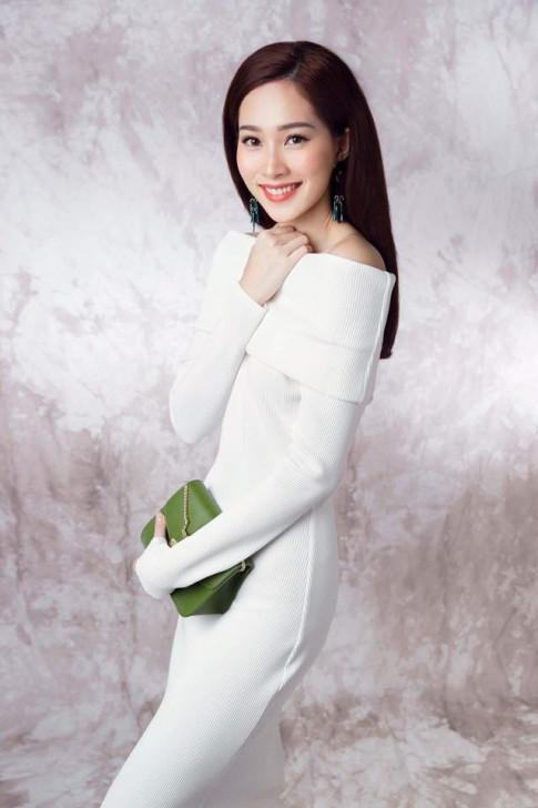 Chiếc váy chỉ 850 ngàn nhưng cả hoa hậu Thu Thảo và Tóc Tiên mê mệt