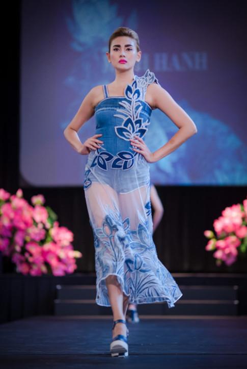Ngọc Hân, Hoàng Yến diễn thời trang tại Mỹ