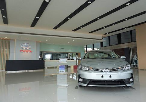 Toyota va Lexus Viet Nam dong cua tam thoi hang loat showroom tai Ha Noi