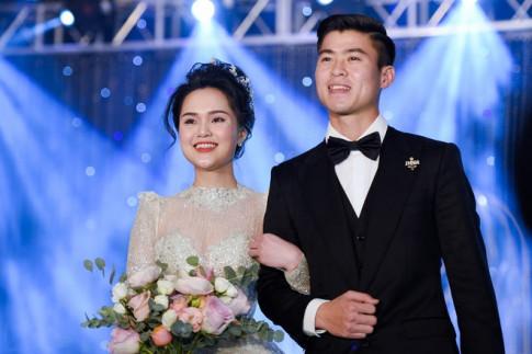 Váy cưới của Quỳnh Anh - vợ Duy Mạnh tốn tiền tỷ, đắt nhất hội vợ cầu thủ
