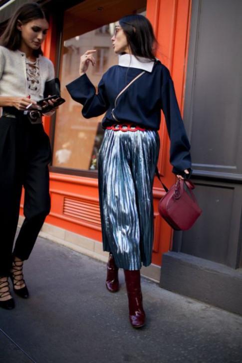 Vì sao váy xếp ly vẫn là xu hướng không ngừng?