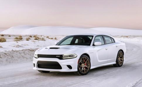 Dodge Charger SRT Hellcat - chiếc sedan mạnh nhất thế giới