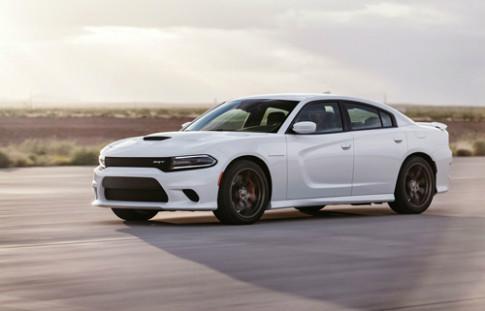 Dodge Charger SRT Hellcat - sedan mạnh nhất thế giới