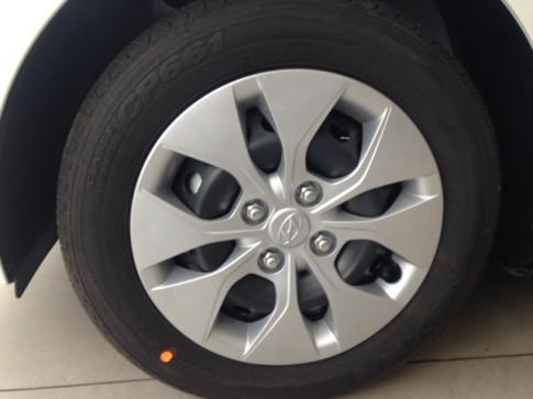 Giá xe Hyundai i10 2018 1.2MT base đủ màu giao xe ngay