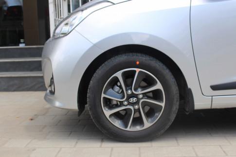 Giảm giá đặc biệt Hyundai grand i10 số sàn tự động