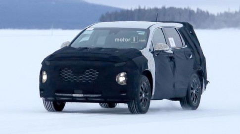 Hyundai SantaFe 2018 lộ diện những hình ảnh đầu tiên
