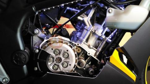 'Mổ xẻ' khối động cơ Honda CBR250RR đầy mạnh mẽ