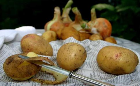 Bạn sẽ không bao giờ vứt bỏ vỏ khoai tây nữa nếu biết công dụng của nó