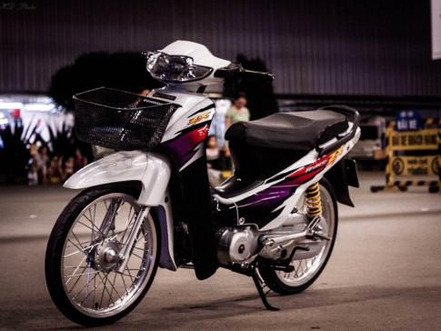 Honda Wave ZX phiên bản bạch công tử với dàn đồ chơi chịu chi