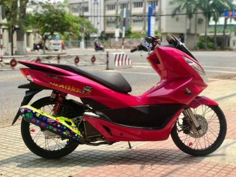Honda PCX của chàng Biker Việt lột xác phong cách Thái đầy xinh xắn