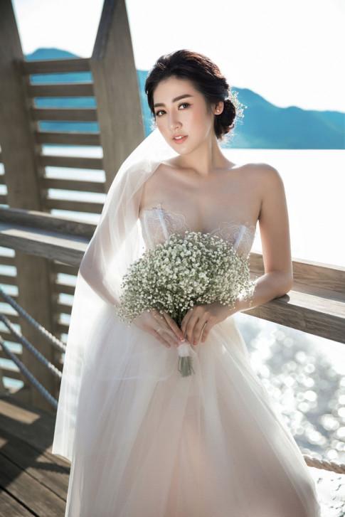 Ảnh cưới của Á hậu Tú Anh và bạn trai cũ Văn Mai Hương