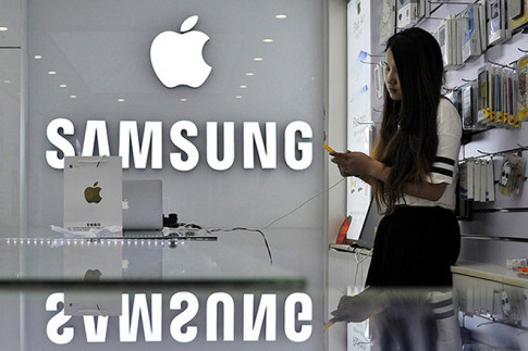 Apple và Samsung bị phạt 133 triệu đồng vì giở chiêu gây khó khách hàng