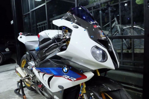 BMW S1000RR bản nâng cấp tuyệt vời theo phong cách HP4 Tricolor