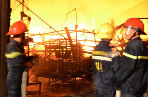 Cháy nhà kho chứa linh kiện của Công ty Suzuki tại Đồng Nai