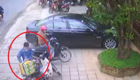 """Cộng đồng truy tìm thanh niên đi SH """"tiện tay"""" trộm 3 thùng bia trên xe của một người phụ nữ"""