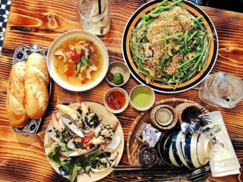 """Thức ăn đường phố TP HCM """"ngon thứ tư thế giới"""""""