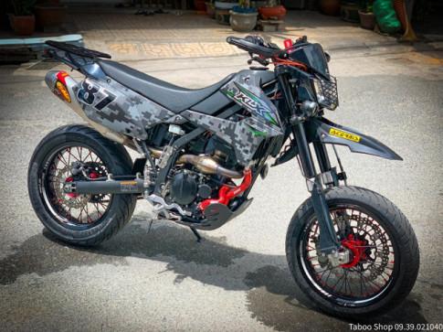 Kawaski KLX 250 hạ bánh 'Béo' với nâng cấp đẹp mắt của Biker Việt