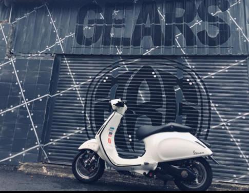 Vespa Sprint 125 chi tiền triệu để trang bị giảm xóc Gears Racing